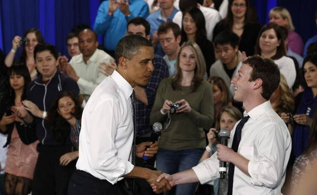 Obama y Zuckerberg./Reuters
