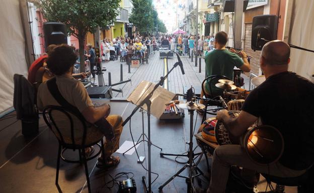 La calle Del Sol celebra el otoño con el jazz de los