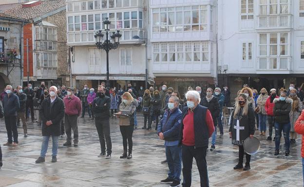 Los hosteleros acuerdan con el Ayuntamiento de Reinosa una batería de medidas para ayudar al sector